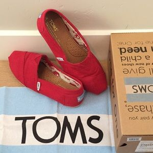 TOMS Red Canvas Classics